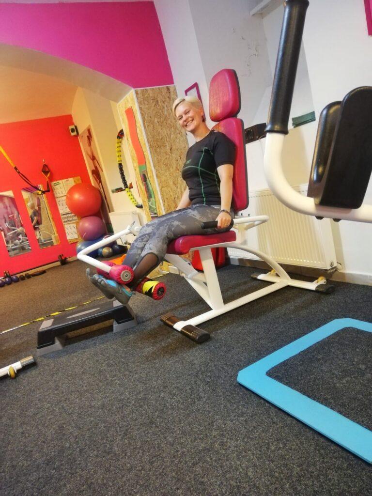 Kruhový trénink AURA pro ženy na pístových strojích zlepšuje zdatnost